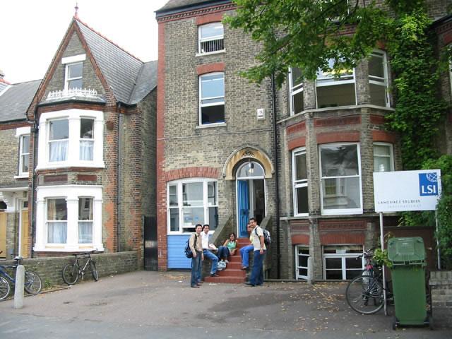 Языковые курсы в Кембридже LSI